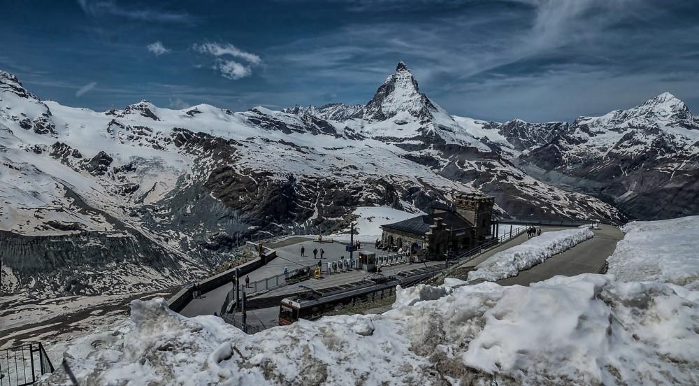 skiing in Europe - Zermatt